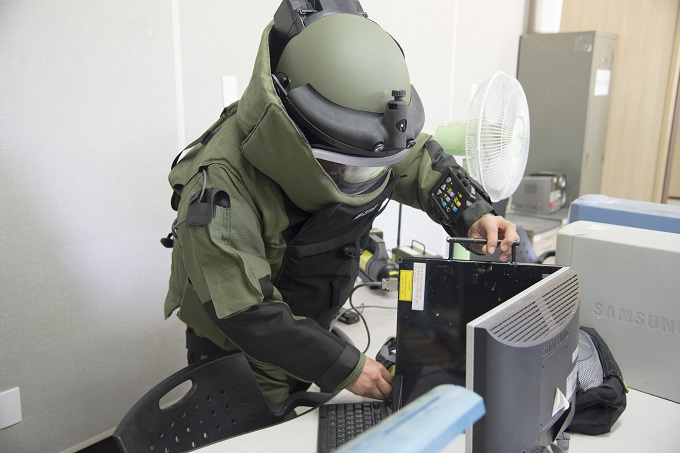 Combined, Joint EOD techs train for IEDs